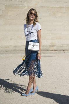 Cute t-shirt outfit ideas (like a fringe skirt!)