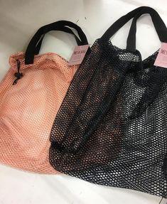 使ってないなんて絶対損!可愛くて便利すぎ♡100均ミニバッグ大集合 - LOCARI(ロカリ) Sewing Projects, Laundry Bags, Tote Bag, Pattern, Leather, Display, Shopping, Fashion, Fabric Purses