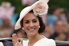 Nízkosacharidová strava vás dostane do formy za 7 dní: Skúste to ako vojvodkyňa Kate Middleton Kate Middleton, Cambridge, Vojvodkyňa Kate, Charlotte, Crown, London, Diet, Corona, Crowns