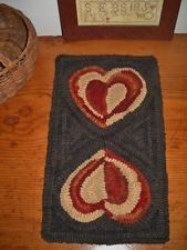 Primitive Hooked Rug Mat Crooked Little Hearts 9 x 16