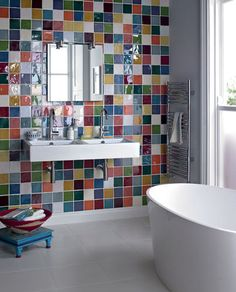 25 Most Creative Bathroom Design With Colorful Bathroom Tile Small Bathroom Colors, Small Bathroom Tiles, Bathroom Tile Designs, Modern Bathroom Design, Bathroom Flooring, Bathroom Interior, Colorful Bathroom, Small Bathrooms, Shower Designs