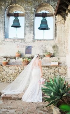 bel aire bridal accessories jen fujikawa photography mission san juan capistrano 6781 headpiece -- Bel Aire Bridal's Exquisite Fall 2017 Collection