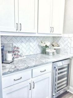 Amazing Designs Of White Kitchen Cabinet To Improve In Your Tiny Https