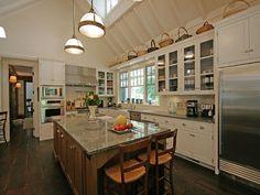 TRISHA TROUTZ: Hamptons Houses No. 18