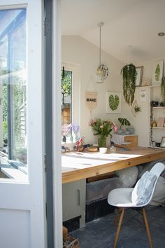 Katie Robbins - Studio tour Botanical work space love that wooden huge desk under the window Home Office Design, Home Office Decor, Home Decor, Office Ideas, Office Designs, Office Furniture, Office Inspo, Office Art, Plywood Furniture
