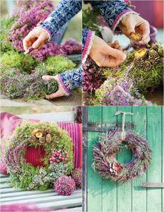 déco d'automne DIY - des couronnes de porte naturelles en mousse, bruyère lilas, pommes de pin et baies rouges