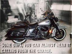 """Hay dias que hasta parece que te llama desde el garage"" ✌️ #BikerTuesday #MartesBiker #BikerCulture #CulturaBiker #DisturbedCulture #DisturbedTendencies"