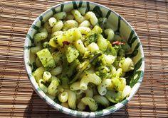 Brokkolis tészta | Biro Ibi receptje - Cookpad receptek Pasta Salad, Sprouts, Potato Salad, Cabbage, Potatoes, Vegetables, Ethnic Recipes, Biro, Food
