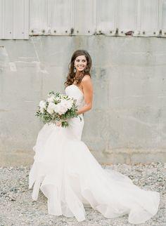 Photography : Sawyer Baird | Photography - Assistance : Lindsey Eller Read More on SMP: http://www.stylemepretty.com/georgia-weddings/atlanta/2017/02/20/the-foundry-atlanta-wedding/