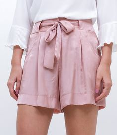 41 Bermuda Shorts Every Girl Should Try - Fashion Owner Edgy Outfits, Classy Outfits, Skirt Outfits, Vintage Outfits, Short Playsuit, New Fashion, Fashion Trends, Casual Looks, Plus Size Fashion