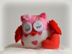 Felt Owls, Felt Animals, Womens Institute, Hand Sewing Projects, Owl Fabric, Owl Crafts, Craft Club, News Boy Hat, Christmas Deco