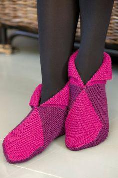 Novita wool socks, Slippers made with Novita 7 Brothers yarn - Super knitting Knitting Paterns, Diy Crochet And Knitting, Knitted Slippers, Wool Socks, Crochet Slippers, Loom Knitting, Knitting Socks, Baby Knitting, Slipper Boots