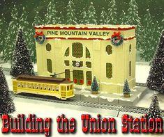 Personalizar el pueblo de Navidad o ferrocarril vacaciones con este proyecto único.  Hacer clic para una foto más grande.