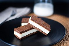 Mascarpone Chocolate Sandwiches | White chocolate and mascarpone crème sandwiched between rich, flourless chocolate sponge