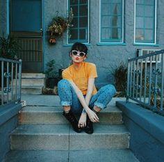 Imagen de girl and yellow                                                                                                                                                                                 Más