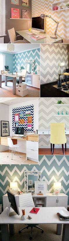 Decoração home office com papel de parede chevron zig zag colorido.