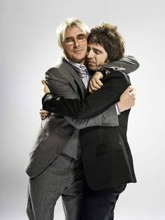 Noel Gallagher & Paul Weller - Probably the only person Noel has ever hugged in his entire life. Nasty bugger!