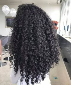for more curly hair Inspiration ❤️ Long Hair Tips, Curly Hair Tips, Long Curly Hair, Big Hair, Curly Girl, Cabelo 3c 4a, Natural Hair Styles, Short Hair Styles, Natural Curls