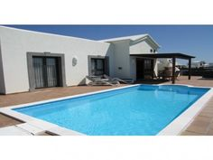 Playa Blanca Villa j139 - 2 Bed Villa for rent in Playa Blanca Lanzarote sleeps up to 5 from £545 / €670 a week