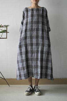 TUCK DRESS  BLUE MIX CHECK ¥30,450  LINEN CHAMBRAY ¥29,400      TENT DRESS  BLUE MIX CHECK ¥24,150            PATCH UP DRESS  LINEN CHA...