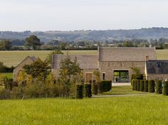 A contemporary barn conversion on the edge of the cotswolds. This location house is suitable for shoot and stay with 10 bedrooms. Architecture Durable, Architecture Renovation, Barn Renovation, Barn Conversion Exterior, Barn Conversions, Modern Barn House, Agricultural Buildings, Contemporary Barn, Best Barns