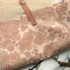 Backpack/Shoulder Bag. #bag #flower #handmade #backpack #shoulderbag #convertible #handmadebag #canvasbag #fabricbags #leather #leatherstraps #genuineleatherstraps #etsy #dawanda #buboxa
