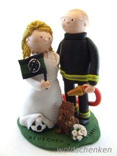 Tortenfiguren Brautpaar Feuerwehr mit Katze und Fußball(fahne)