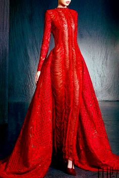 NICOLAS JEBRAN gown in the brightest cherry red. Enjoy RUSHWORLD boards, UNPREDICTABLE WOMEN HAUTE COUTURE, BUDGET PRINCESS COUTURE and LULU'S FUNHOUSE. Follow RUSHWORLD on Pinterest! New content daily, always something you'll love!