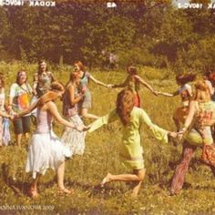 aesthetic New Ideas For Fashion Hippie Woodstock Hair Hippie Style, Hippie Love, Hippie Man, Hippie Peace, 1970s Hippie, Hippie Bohemian, Hippie Couple, Hippie Chick, Vintage Hippie