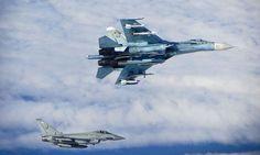 (c) MoD/RAF Typhoon der Royal Air Force mit Su-27 Flanker