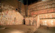 Mural. Vista del muro de Huaca de la Luna Trujillo - Perú.
