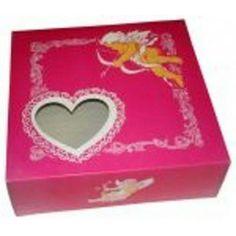 Caja para tartas para el día de San Valentín, fabricadas en cartón y con impresión anónima a 2 colores, con ventana de corazón. Diferentes medidas. http://www.ilvo.es/es/product/caja-san-valentin