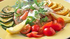 Ved å bruke de klassiske italienske råvarene tomat, sitron, løk, urter og olivenolje får du med denne retten god og tradisjonell norsk sjømat laget på den italienske måten.