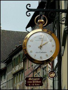 Shop sign in Lucerne, Switzerland