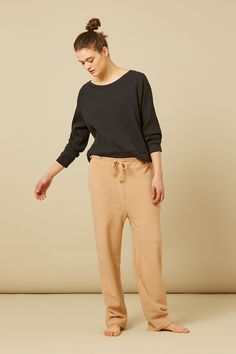 This is amazingly comfortable loungewear made from organic and natural products. These pants in terry fleece are perfect for wear all year round. They have a soft fleece lining in contrast to the terry cloth material they are made of on the outside, and have a drawstring waist for easy adjustment. The wide-leg style makes …