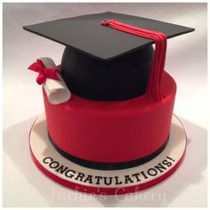 3 layers of rich chocolate fudge cake covered in Swiss chocolate buttercream, topped with a domed rich fudge cake x College Graduation Cakes, Graduation Day, Graduation Party Decor, Elegant Birthday Cakes, Happy Birthday Cakes, Cap Cake, Bithday Cake, Shirt Cake, Cake Decorating Frosting