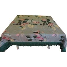 Bold Flowers on Green Barkcloth Tablecloth - b204