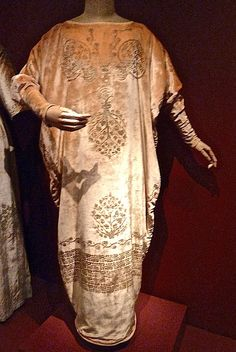 Fortuny dress worn by Dorothy Gish and Irene Worth