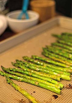 Perfectly roasted asparagus drizzled with a nutty browned butter sauce is an elegant side dish for steak or seafood and requires only 12 minutes baking time! Esparagus Recipes, Roast Recipes, Steak Side Dishes, Rib Roast Recipe, Prime Rib Roast, Butter Sauce, Brown Butter, Asparagus, Recipes