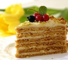 Find images and videos about food, dessert and cake on We Heart It - the app to get lost in what you love. Russian Cakes, Russian Desserts, Russian Recipes, Sweets Recipes, Baking Recipes, Cookie Recipes, Brownie Cake, Fudge Cake, Food Cakes
