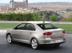 Noul SEAT Toledo revine in forta in Romania. Seat Toledo 2017, Nuevo Seat, Tommy Bahama Beach Chair, Dining Room Chairs Ikea, Stools With Backs, Patterned Armchair, Office Chair Without Wheels, Car Posters, Poster Poster