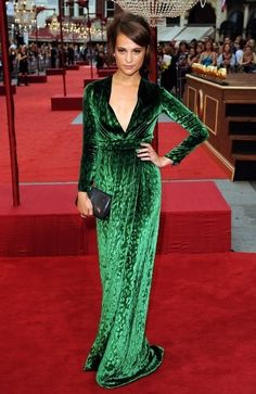 How many women can pull this off? Exactly. This green embellishes her so much. What a beautiful dress!! <3