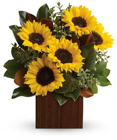 You're Golden Bouquet   Rise and shine! Send her a sunrise with this golden bouquet of bright-as-day sunflowers. It's the perfect gift for the light of your life. #EllentonFlorist Father's Day Flowers, New Baby Flowers, Easter Flowers, Get Well Soon Flowers, Thanksgiving Flowers, Sunflower Arrangements, Send Flowers Online, Pumpkin Vase, Halloween Flowers