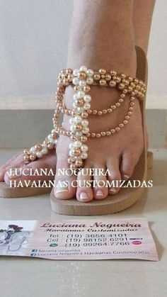 Beaded Shoes, Beaded Sandals, Beaded Anklets, Crochet Shoes, Crochet Slippers, Flip Flop Images, Flip Flop Craft, Crochet Flip Flops, Decorating Flip Flops