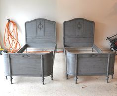 From FabRehabCreations.blogspot.com ... matching antique twin beds! The paint finish is wonderful! Love! I could kick myself for passing up a similar pair of old beds in need of love. Ack!