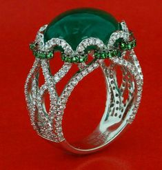 Emerald was Cleopatra's favorite gemstone. Is emerald your color? Yes