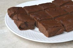 Black Bean Protein Brownies #healthy #dessert #recipe #chocolate #protein #brownie #cake