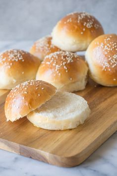 These fluffy, golden Sourdough Hamburger Buns will bring your burger night to the next level! Start the dough in the morning, and buns are ready by dinner. Sourdough Hamburger Buns Recipe, Sourdough Recipes, Sourdough Bread, Brioche Bread, Butterhorn Rolls Recipe, Burger Night, Burger Recipes, Dry Yeast, Favorite Recipes