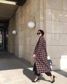 Fashion Tips 101 .Fashion Tips 101 Muslim Fashion, Modest Fashion, Fashion Outfits, Fashion Tips, Fashion Trends, Korean Fashion, Girl Fashion, Modest Dresses, Modest Outfits