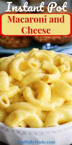 Instant Pot Creamy Macaroni and Cheese - This easy homemade mac and cheese is the creamiest cheesiest made all in the one pot and on the table in minutes. This go to family favorite comfort meal will find its way on your table over and over again. Southern Macaroni And Cheese, Creamy Macaroni And Cheese, Mac And Cheese Homemade, Mac Cheese, Yummy Pasta Recipes, Side Dish Recipes, Cooking Recipes, Delicious Recipes, Crockpot Recipes